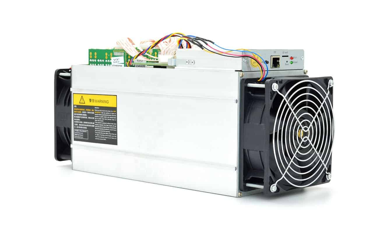Un minero ASIC de Bitmain modelo AntMiner S9