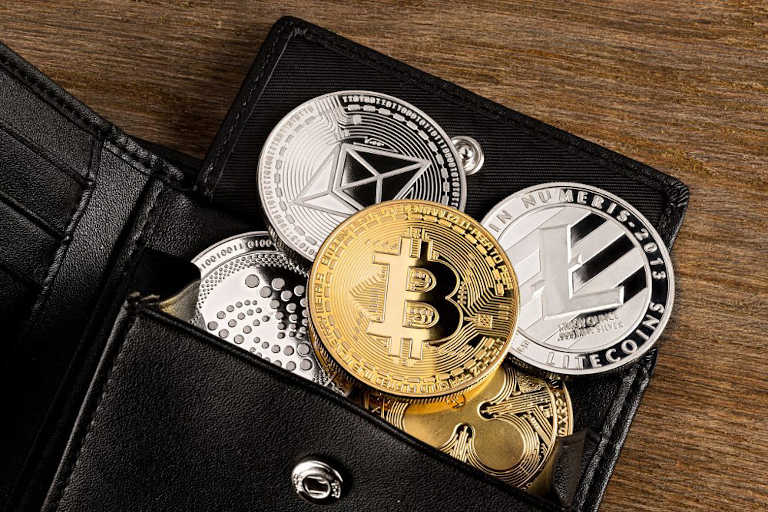 Wallet or cryptocurrency wallets